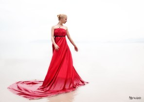 Krabi shooting: Lady in red