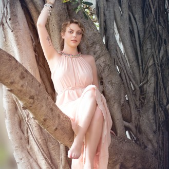 Model: Cristina Sofia Tuscano, Make-up: Gulisara Takky, Styling: Cristina Sofia Tuscano