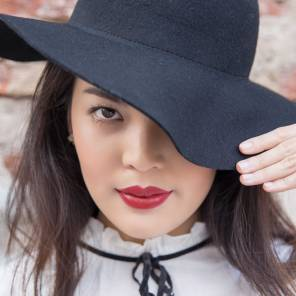 Model: Sheena, makeup: Gulisara Takky