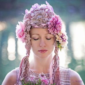 Headpiece: Leonie Roland