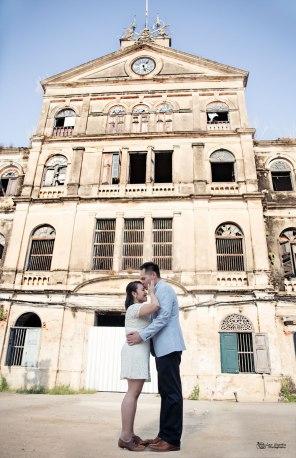 Couple shooting old custom house