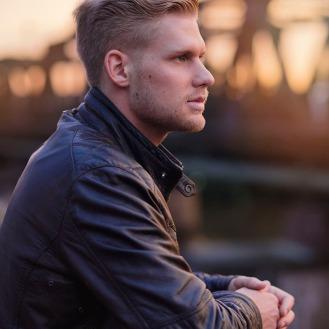 Model: Denis